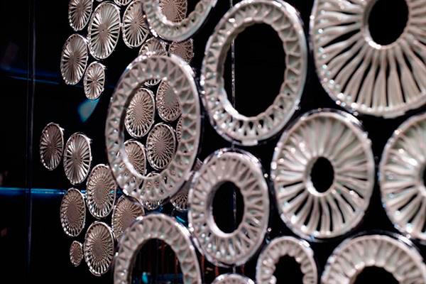 Напечатанная керамика как выражение тела и цифрового дизайна