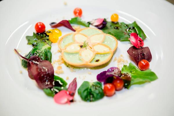 Открылся первый ресторан, который готовит еду на 3d принтерах
